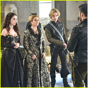 reign-castle-seized-left-behind-stills
