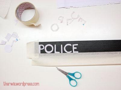 Estantería TARDIS cartel Police Box